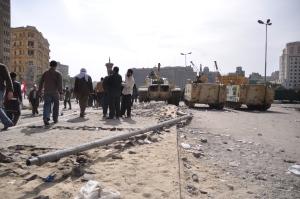 Orasul e rascolit dupa 10 zile de lupta Cairo 3 feb 2011 FOTO Cristian Botez